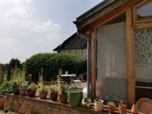 Ferienhaus Eifel Uedelhoven Seitenansicht Wintergarten